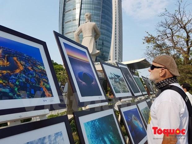 International photo exhibition runs in Da Nang hinh anh 1