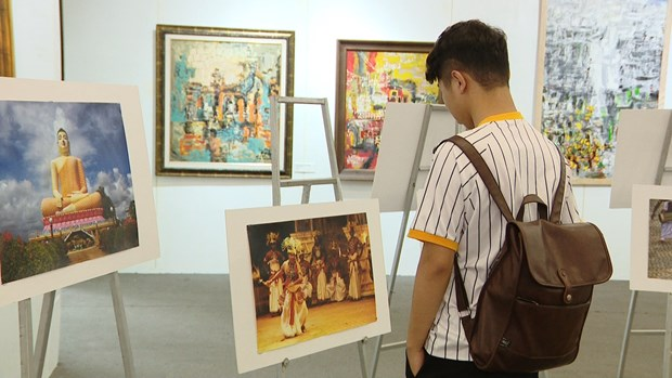 Sri Lanka Culture Festival Day boosts bilateral ties hinh anh 3