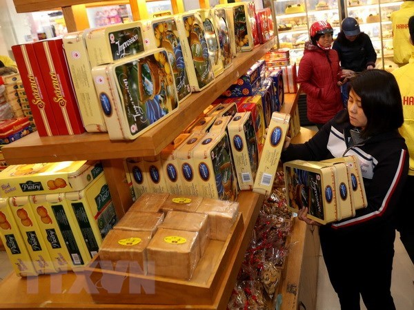 Retailers roll out holiday promotions hinh anh 1