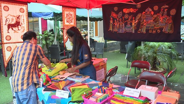 Sri Lanka Culture Festival Day boosts bilateral ties hinh anh 1
