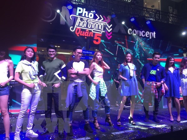 Fashion Street launched in District 5, HCM City hinh anh 1