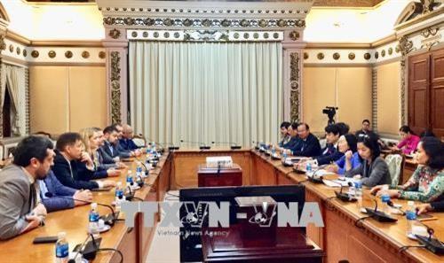 HCM City's official receives Ukrainian parliamentarians hinh anh 1