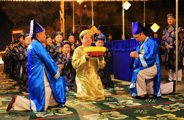 Hue festival: Heaven-and-Earth-worshipping ritual re-enacted hinh anh 4