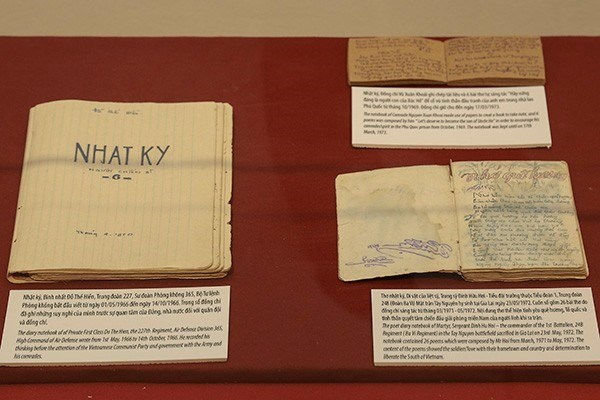 Exhibition shows wartime letters and diaries hinh anh 1