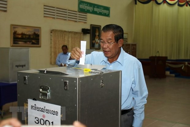 Cambodia registers parties for upcoming general election hinh anh 1