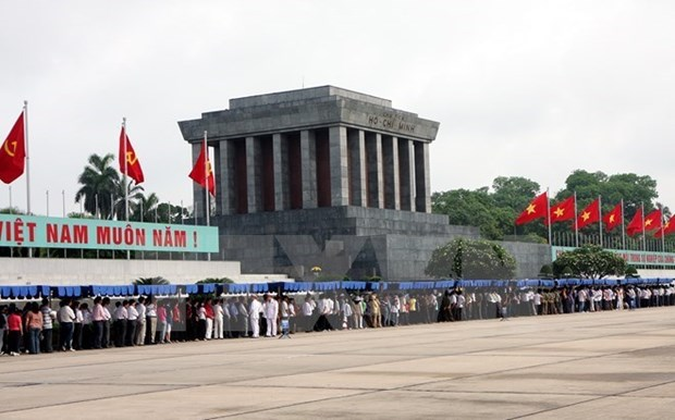 Almost 51,000 people visit President Ho Chi Minh Mausoleum hinh anh 1