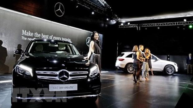 Mercedes-Benz Vietnam recalls biggest ever number of cars hinh anh 1