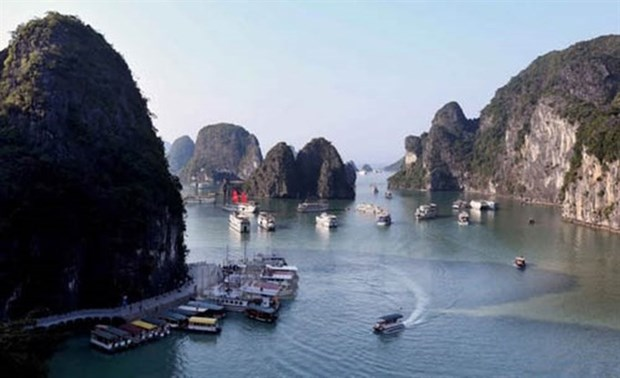 National art photo exhibition launched, focusing on Quang Ninh hinh anh 1