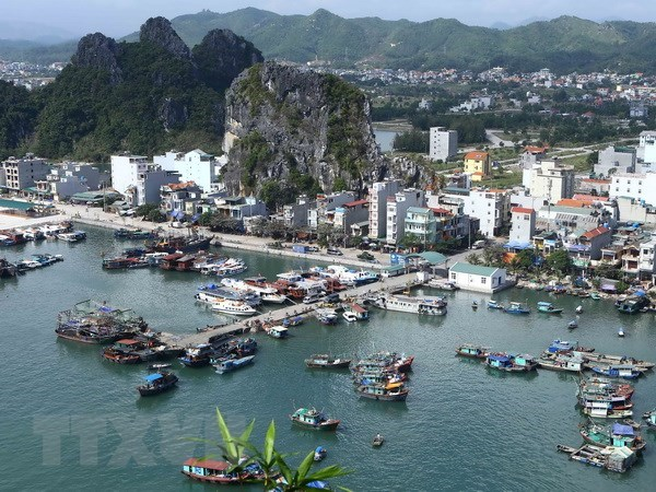 Quang Ninh mobilizes resources for Van Don island development hinh anh 1