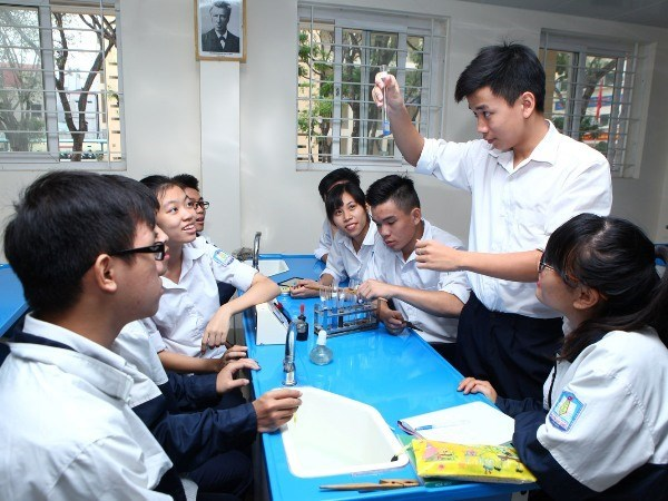 Students' mental health needs more attention hinh anh 1