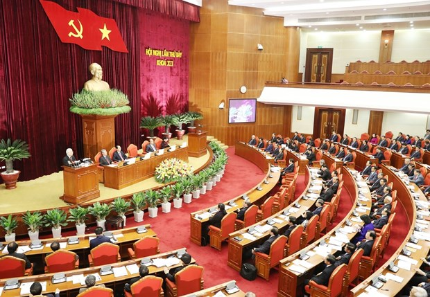 Party chief emphasizes personnel work at Party Central Committee session hinh anh 1