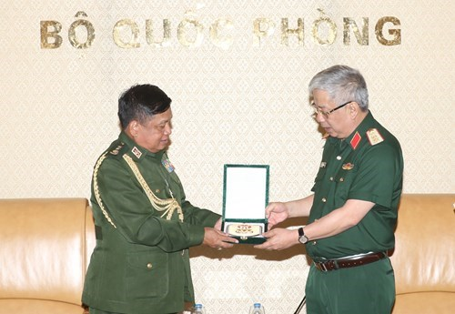 Vietnam treasures defence ties with Myanmar: Deputy Minister hinh anh 1