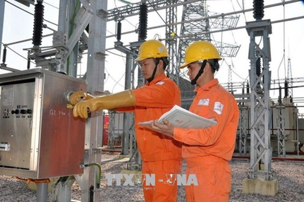 Hanoi works to ensure power supply during summer hinh anh 1