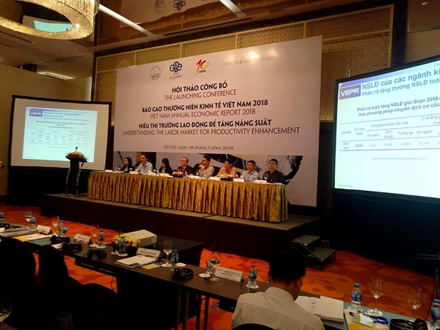 Vietnam's labour productivity increases in 5 years hinh anh 1