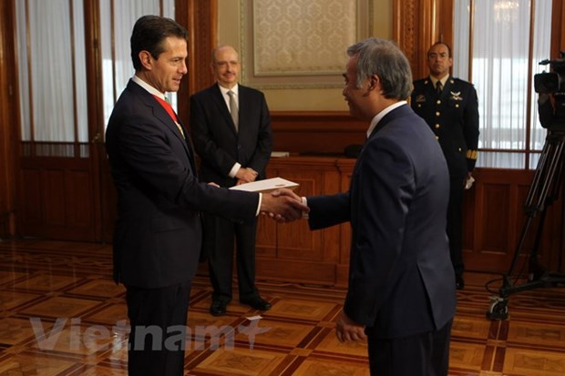 Mexican President vows to tighten ties with Vietnam hinh anh 1