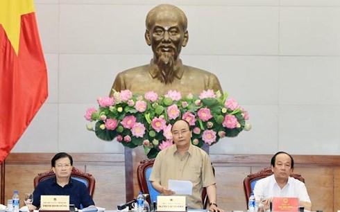 PM urges resources for landslide settlement in Mekong Delta hinh anh 1
