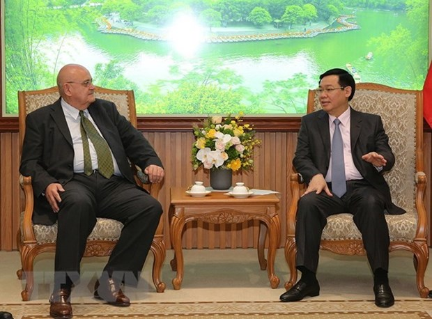 Vietnam boosts investment cooperation with Brazil, US hinh anh 1