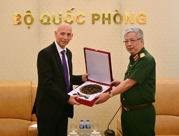 Vietnam, Israel intensify defence collaboration hinh anh 1