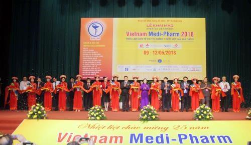 Vietnam Medi-Pharm 2018 attracts 430 firms hinh anh 1