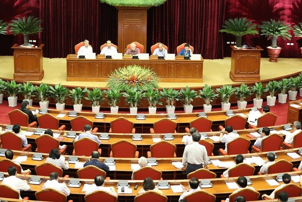 Fourth working day of Party Central Committee's 7th plenary meeting hinh anh 1