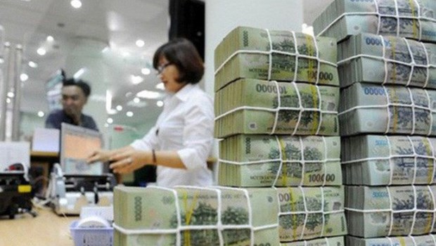 State budget revenue hits over 19 bln USD in four months hinh anh 1