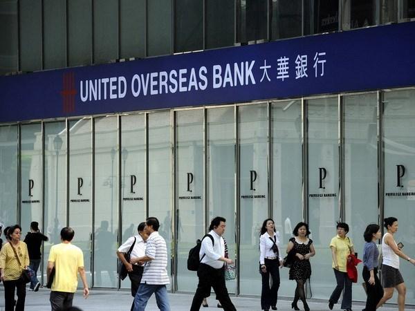 First Singaporean bank debuts in Vietnam hinh anh 1