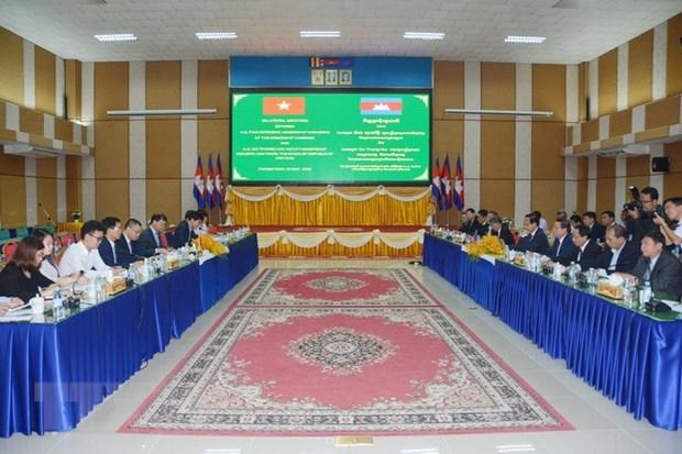 Vietnam, Cambodia promote border trade hinh anh 1