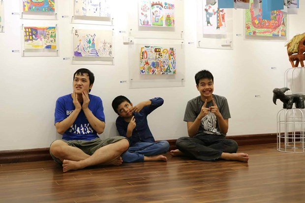 Open your heart to people with autism hinh anh 1