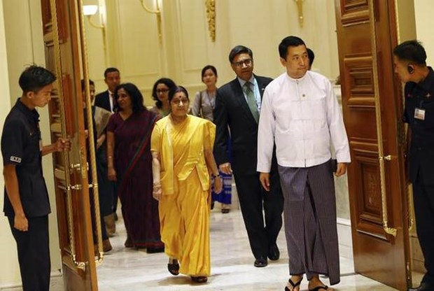 Myanmar, India sign various cooperation deals hinh anh 1