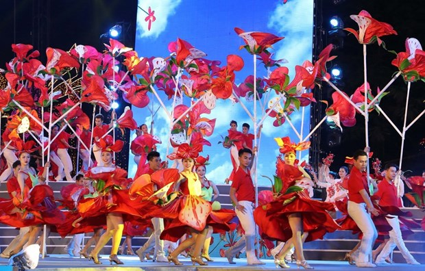Red Flamboyant Flower Festival kicks off in Hai Phong hinh anh 2