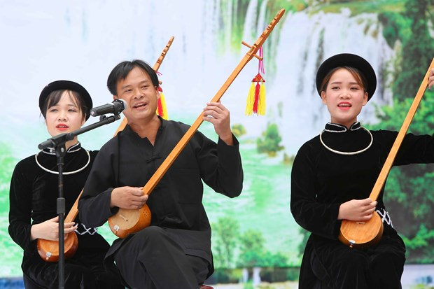 National festival reflects diversity of Then singing art hinh anh 1