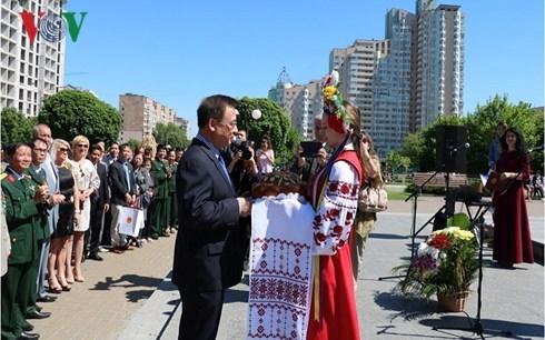 Vietnamese, Ukrainian war veterans foster friendship hinh anh 1