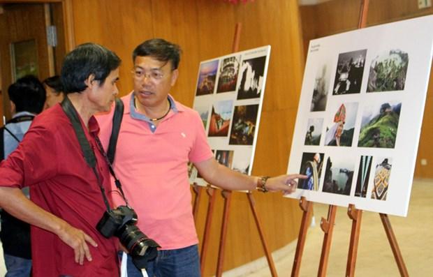 200 photos featuring Quang Ninh tourism on display hinh anh 1
