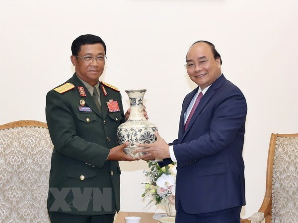 Gov't leader meets with chief of Lao army's general staff hinh anh 1