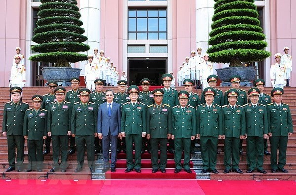 Chief of General Staff of Lao People's Army visits Vietnam hinh anh 2