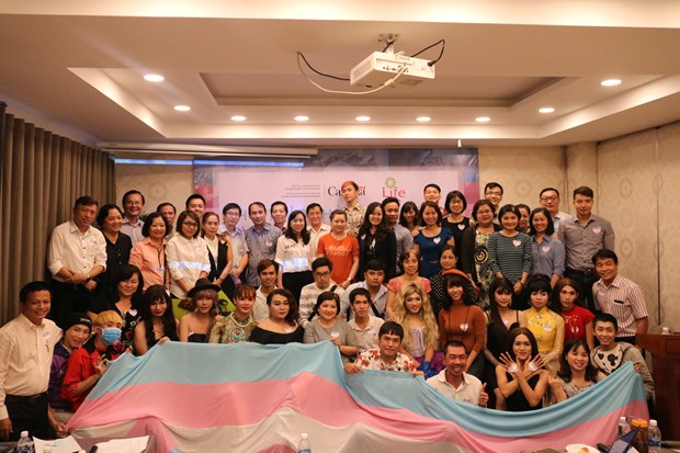 Rainbow flag movements make inroads in Vietnam hinh anh 4