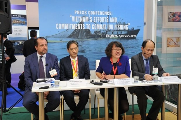 EC delegation inspects Vietnam's efforts to fight IUU fishing hinh anh 1