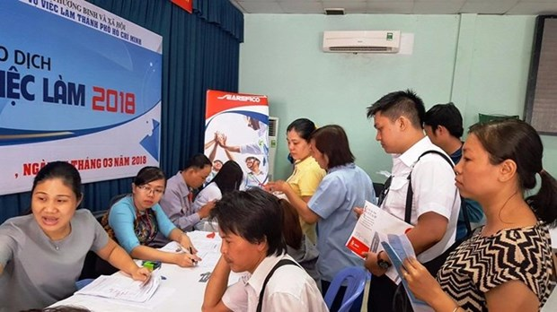 HCM City needs 27,000 labourers in May hinh anh 1