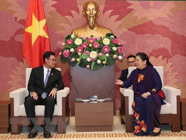 NA Vice Chairwoman receives Lao youth union delegation hinh anh 1