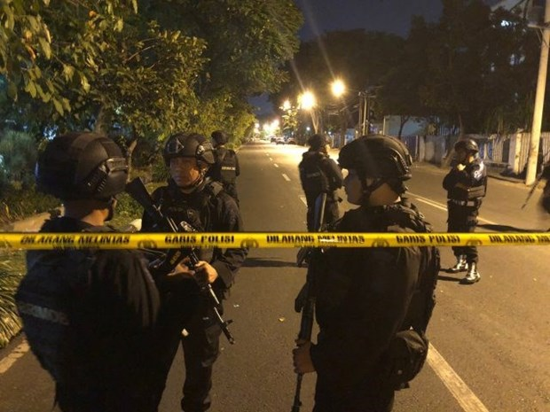 Indonesia police shoot dead three attackers hinh anh 1