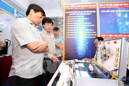Symposium talks information technology amid Industry 4.0 hinh anh 1