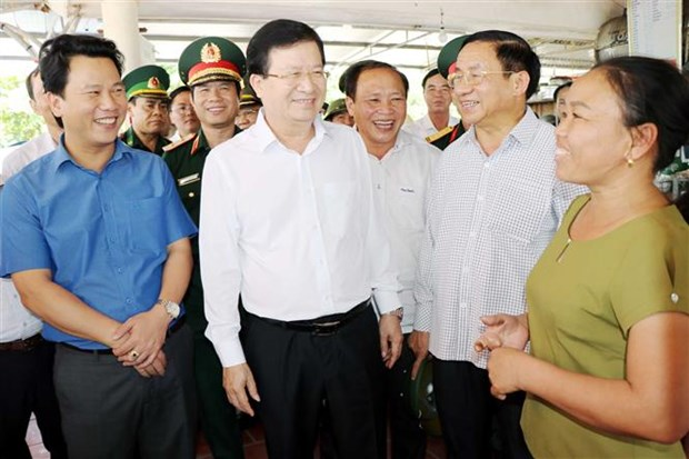 Deputy PM inspects seafood catching, trading in Ha Tinh hinh anh 1