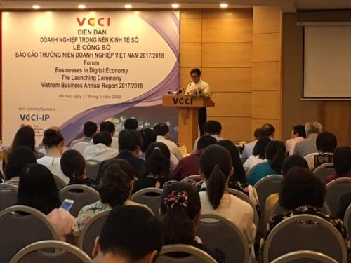 Forum spotlights business development in digital age hinh anh 1