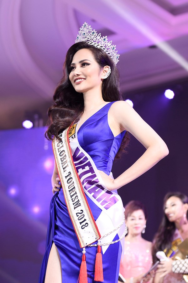Vietnamese girl wins Miss Global Tourism title hinh anh 1