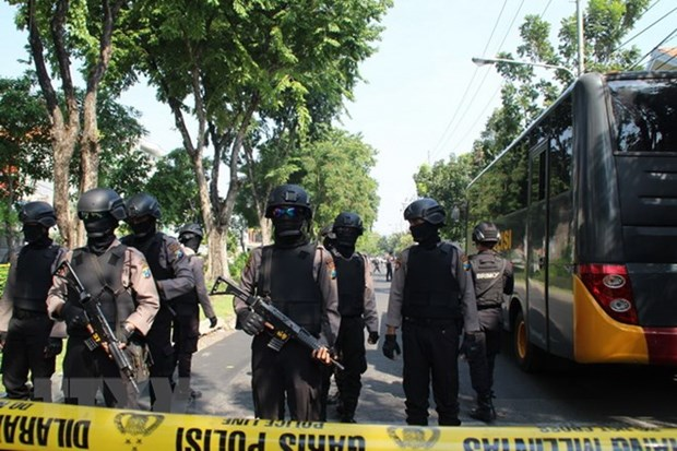 Indonesia tightens security to cope with terrorism risks hinh anh 1