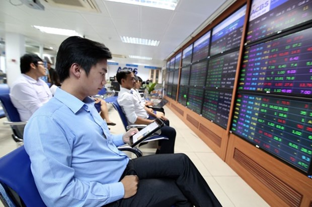 HOSE witnesses record transaction value of 1.54 billion USD hinh anh 1