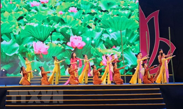 Various activities mark 128th birthday of President Ho Chi Minh hinh anh 1