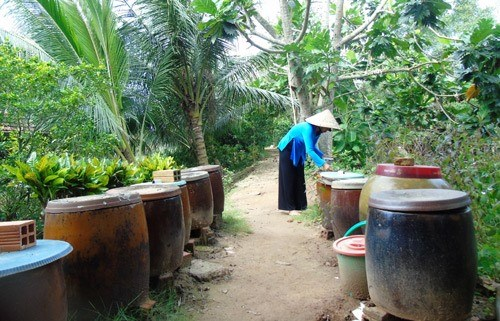 Woman rejects money to keep fish sauce traditions alive hinh anh 1