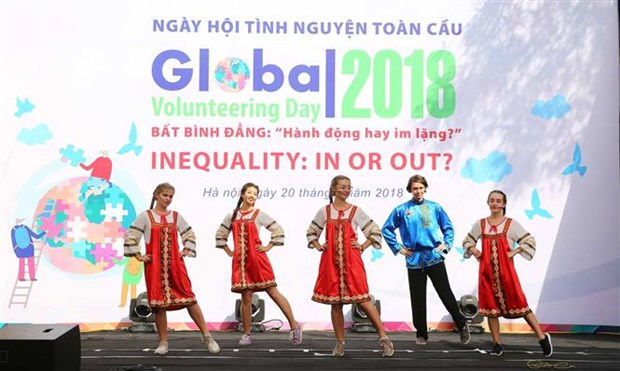 Global Volunteering Day 2018 attracts thousands hinh anh 1