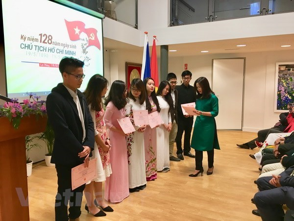 Activities in Netherlands, Canada mark President Ho Chi Minh's birthday hinh anh 1